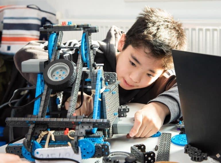 QE teams triumphant as School hosts its first robotics tournament